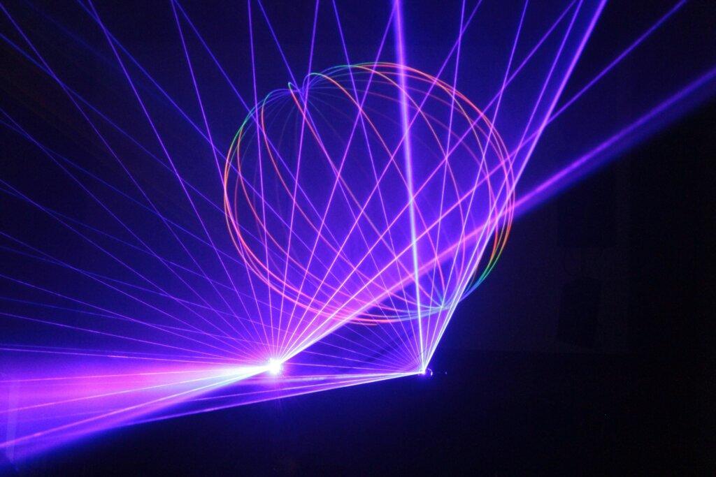 laser-show-589727_1920