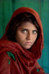 Sharbat Gula, Afghan Girl. Peshawar, Pakistan, 1984. © Steve McCurry