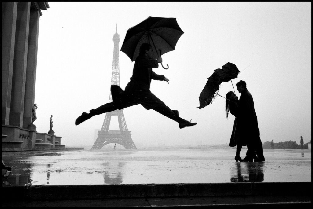 Eiffel Tower 100th Anniversary. Paris, France 1989 © Elliott Erwitt/Magnum Photos