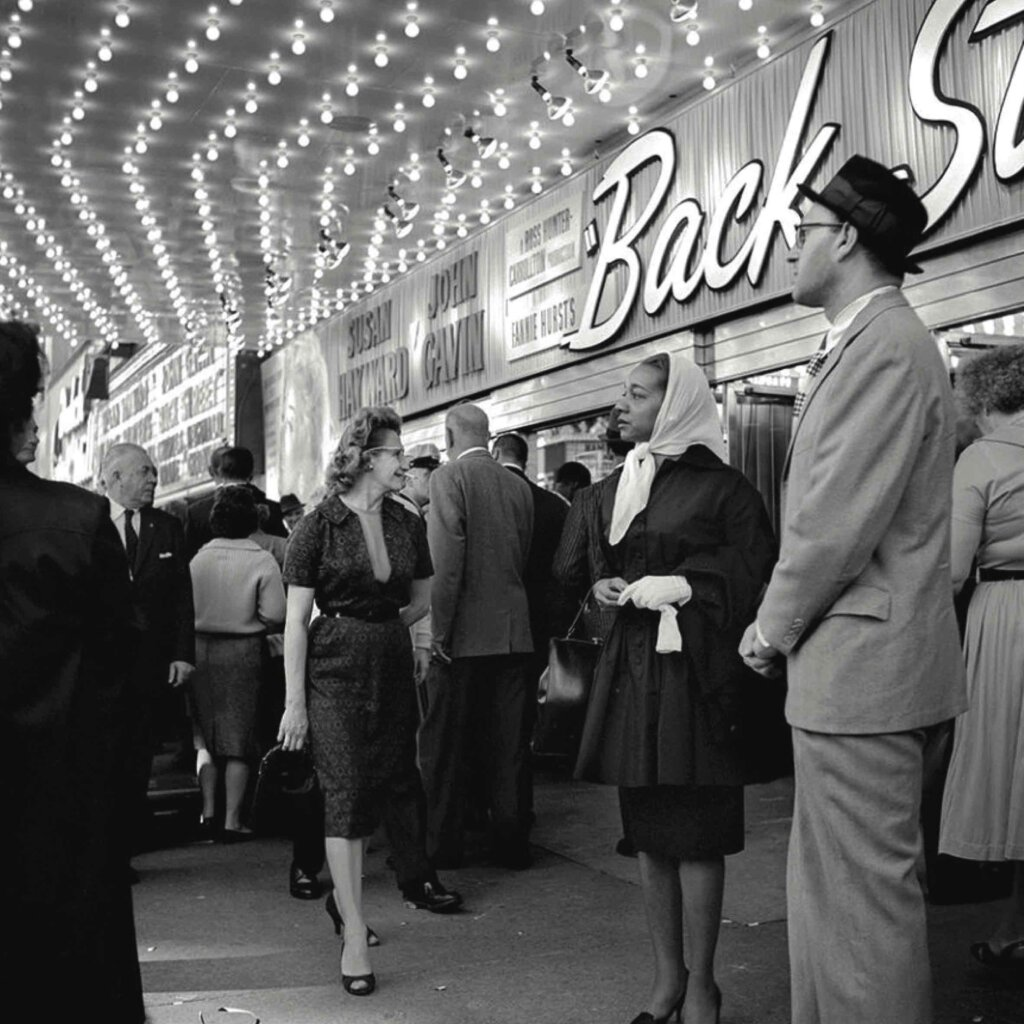 Vivian Maier, At the Balaban & Katz United Artists Theatre, Chicago, IL, 1961. ©Vivian Maier/Maloof Collection, Courtesy Howard Greenberg Gallery, New York.