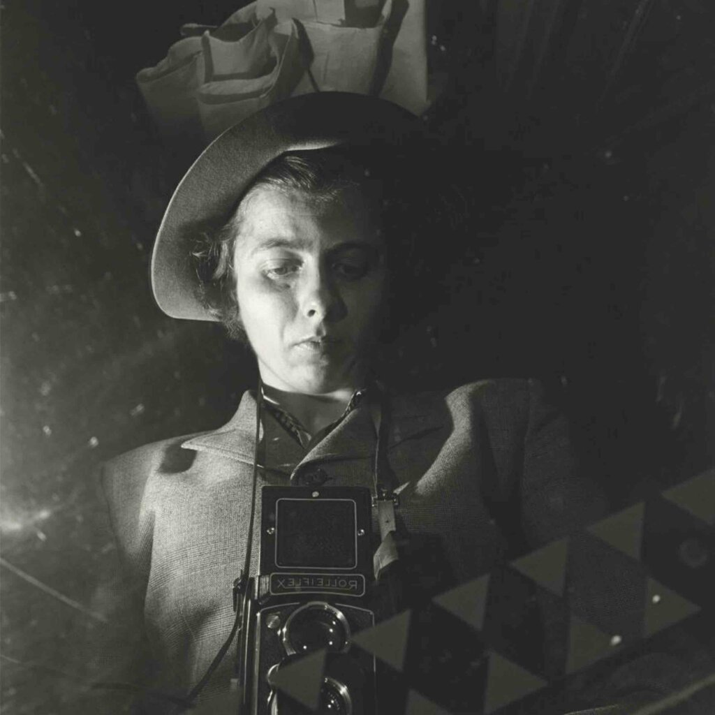 Vivian Maier, New York, NY, n.d. ©Vivian Maier/Maloof Collection, Courtesy Howard Greenberg Gallery, New York.