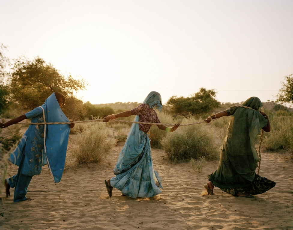 Pulling of the well, Tharpakar, Pakistan, 2013.