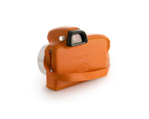 relonch-camera-back