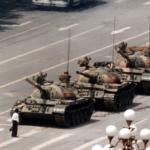 Tank man, Pechino, 1989 - © AP Photo/Jeff Widener