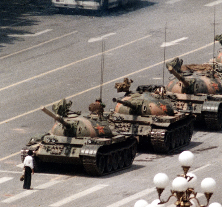 Tank man, Pechino, 1989 - © AP Photo/Jeff Widener