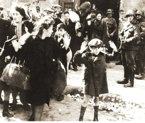 """Jewish Boy Surrenders in Warsaw"" (autore sconosciuto, Ap Photo)."