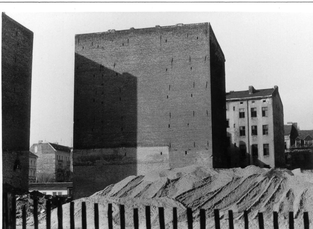 Ingar Krauss, Berlin, foto inedita stampa analogica in bianco e nero 1994, foto dall'archivio dell'artista