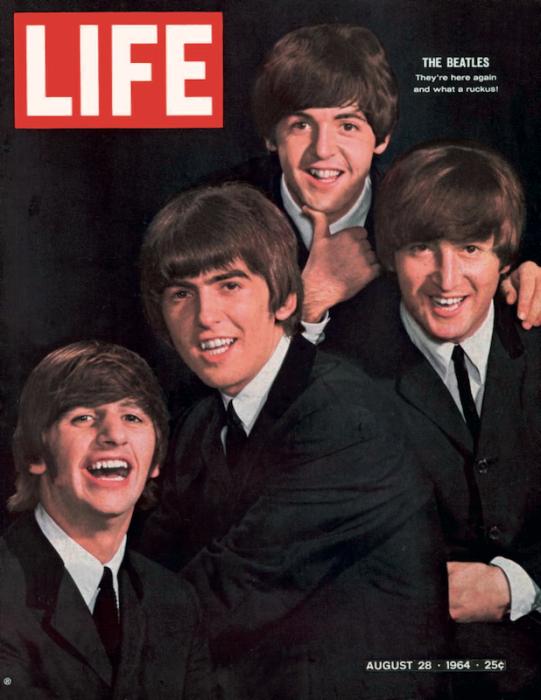 I Beatles ritratti da John Dominis sulla copertina del 28 agosto 1964