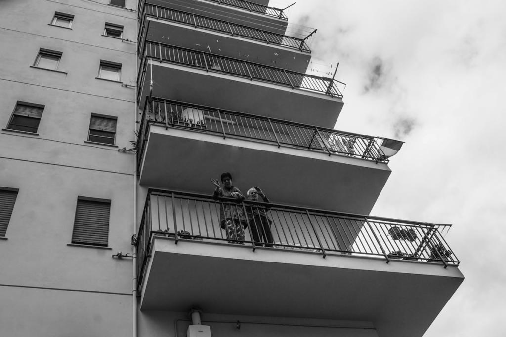I genitori di Francesco salutano commossi dal balcone, Francesco Faraci