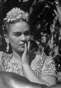 Leo Matiz Frida Kahlo Xochilmico, Messico, 1941 Fotografia B/N © Fondazione Leo Matiz