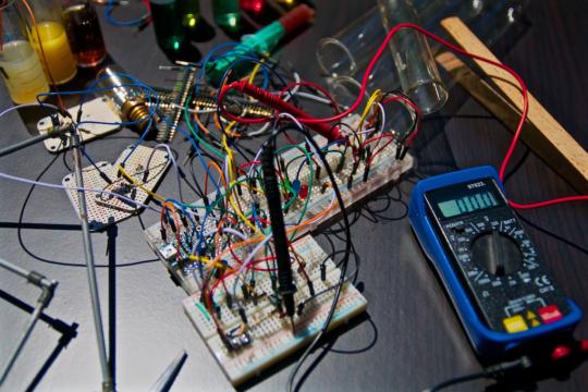 circuiti elettronici dispositivi hi tech