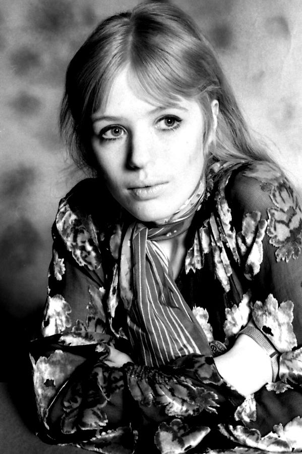 La cantautrice britannica Marianne Faithfull, fotografata nel 1967. © Michael Cooper