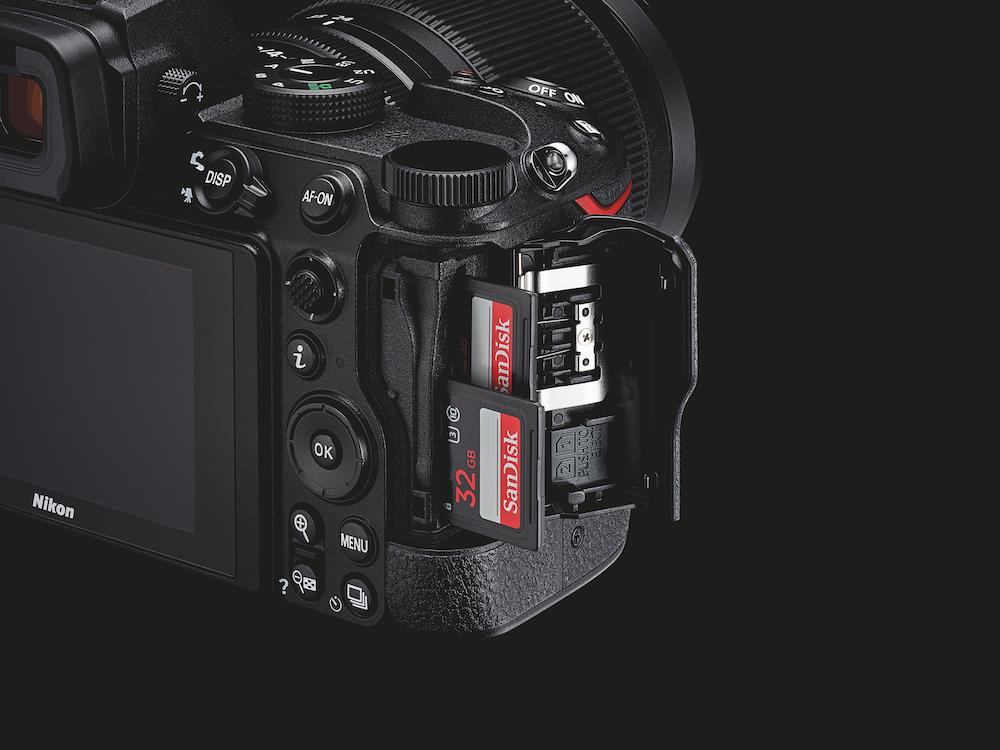 Nikon Z 5 - doppio slot